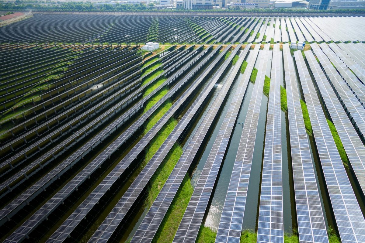 A Market Analysis of Canada Adapting to Renewable Sources of Energy